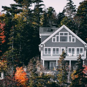 Difference between a mortgage rate and APR